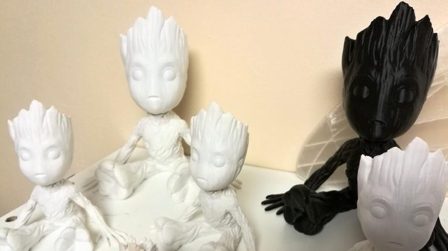 Figurky Groota vytištěné na 3D tiskárně