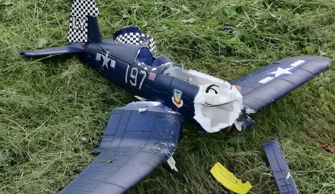 Patrikova první havárie, Vought F4U Corsair