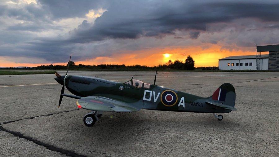 Dnešní báječné polétání Spitfirem a Schwalbe